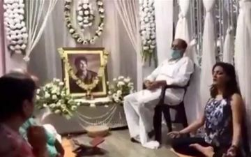 Post Sushant Singh Rajput's Death A Video Of Prayer Meet From Patna Goes Viral; Family Chanting For His Peace Will Break Your Heart