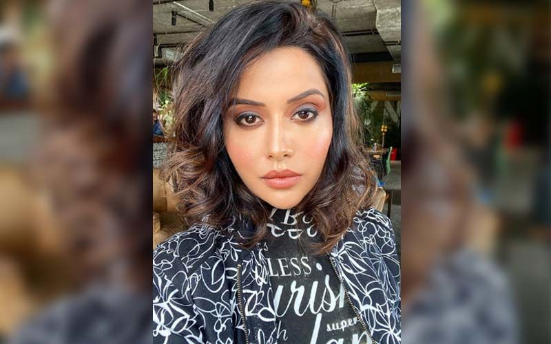 Actress Raiza Wilson Gets A Legal Notice By The Dr. Bhairavi Senthil