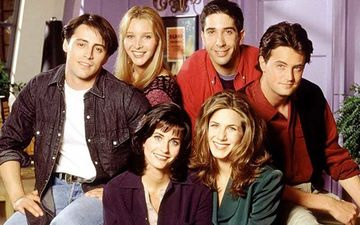 Friends Reunion Feat Jennifer, Courtney, Lisa, Matthew, David, Matt To Be An Unscripted Special - Yaaaay