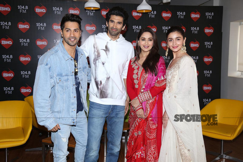 Kalank Promotions: Alia Bhatt-Madhuri Dixit Up Their Traditional Game; Varun Dhawan-Aditya Roy Kapur Go Casual