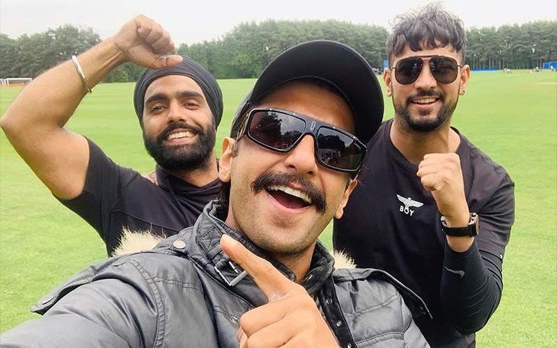 Garry Sandhu Chilling With Ranveer Singh And Ammy Virk-SEE PIC