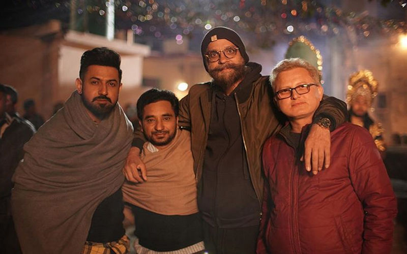 Daaka': Gippy Grewal Shares An Amazing Pic With Team