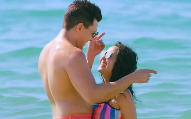 Goa Beach: Neha Kakkar- Aditya Narayan's BTS Video Makes Us Wonder Why They Aren't Together; Their Chemistry Is Undeniable-WATCH