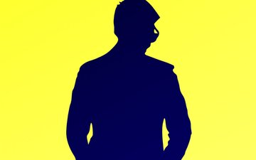 This TV Hunk Just Escaped A Fatal Accident On The Sets Of His Show...