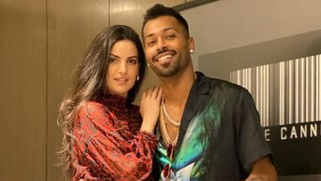 Coronavirus Lockdown: Natasa Stankovic's Cheesy Reply To Beau Hardik Pandya's 'Baby Main Kya Hoon Tera?' Is All Things Love – VIDEO