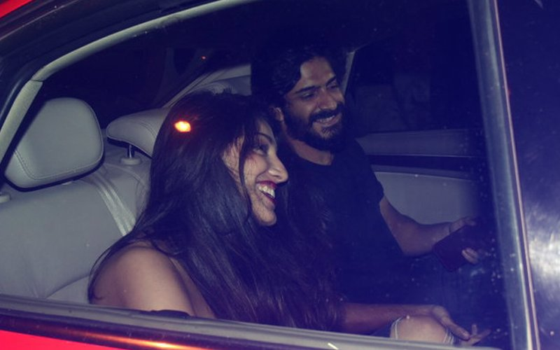 IN PICS: Harshvardhan Kapoor Dines With A Mystery Girl