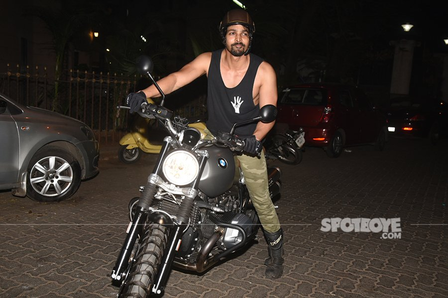 harshvardhan rane poses for the shutterbugs