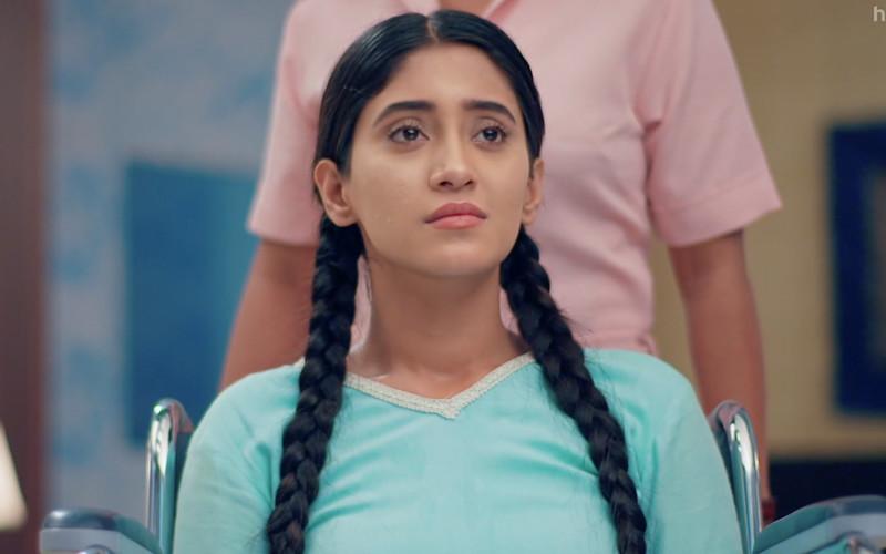 Helpless Shivangi Joshi In Yeh Rishta Kya Kehlata Hai