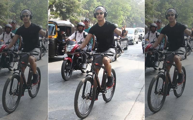 साइकिल पर गाना सुनते हुए ईशान को जब दी गयी नसीहत तो उन्होंने ने दिया ऐसा जवाब