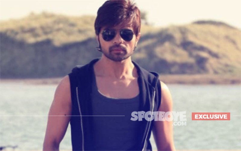 WEDDING BELLS: Himesh Reshammiya Plans To Marry Girlfriend Next Year?