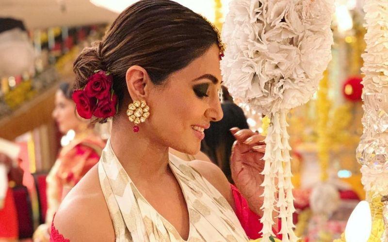 कोमालिका के लुक में हिना खान ने शेयर की बेहद ही खूबसूरत तस्वीरें