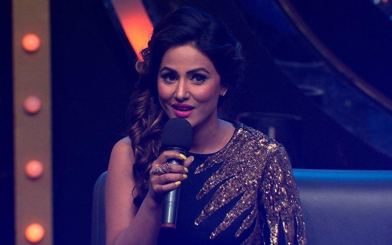 Hina Khan Sings 'Ajeeb Dastan Hai Yeh'; Perfect Tribute To Her Journey In Bigg Boss 11