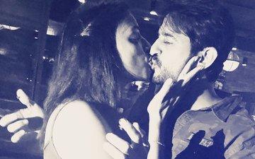 Here's Bigg Boss 11 Hiten Tejwani's Hot Liplock With Gauri  Pradhan
