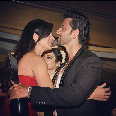 hrithik and katrina hugging each other