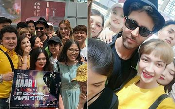 Hrithik Roshan Receives Warm Welcome On His Arrival In Beijing As Fans Go Berserk; Actor's Excitement Doubles Up For Kaabil Premiere