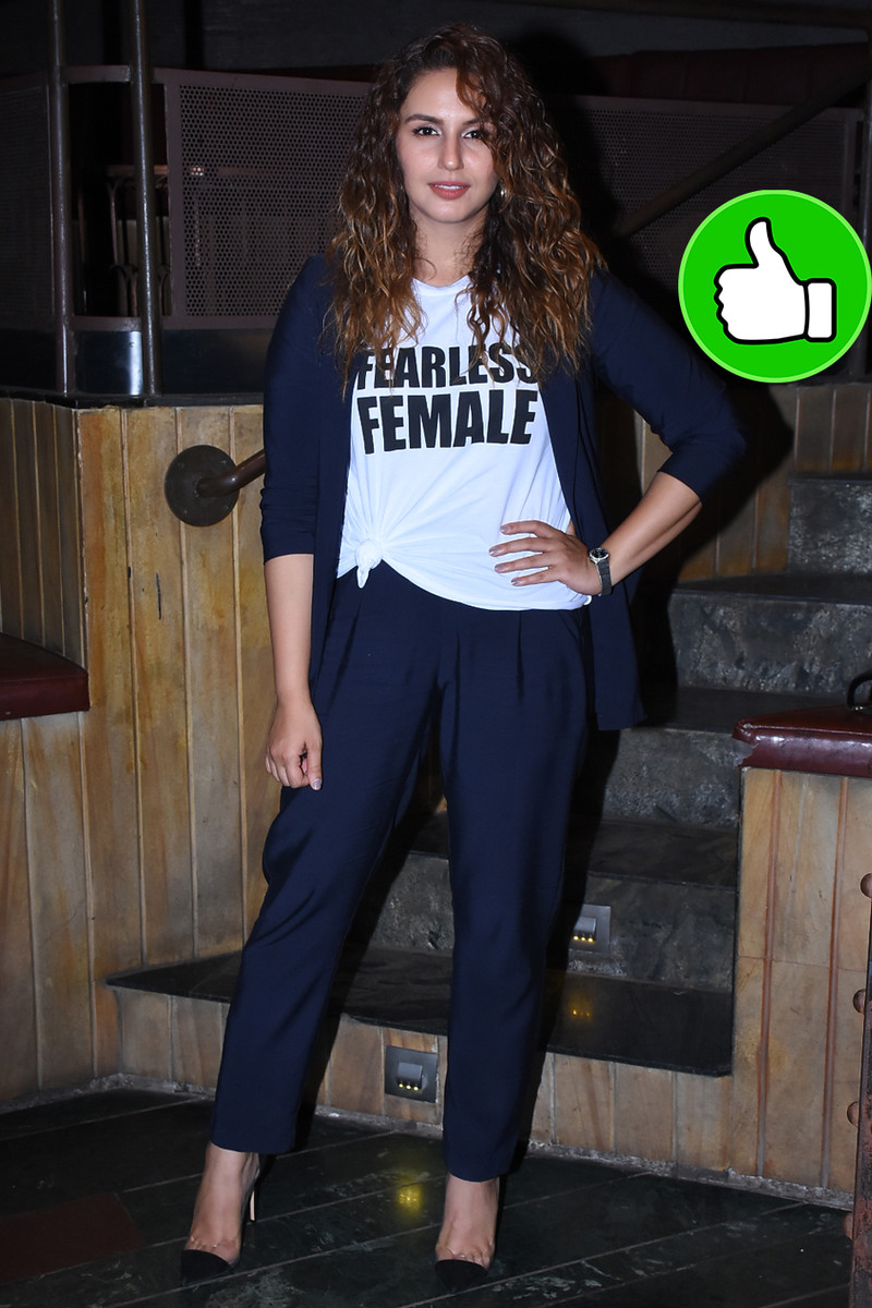 huma qureshi is all smiles