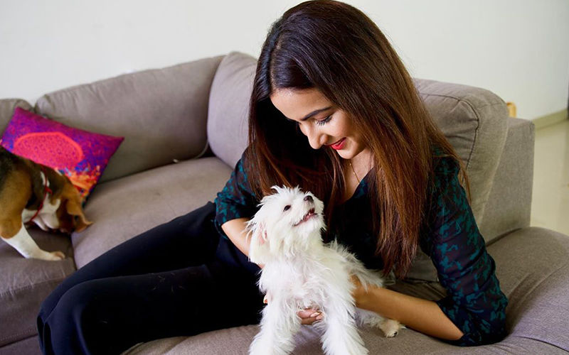 """""""I Feel Like There Is Somebody Waiting At Home For Me"""", Says Jasmin Bhasin About Her Pets"""