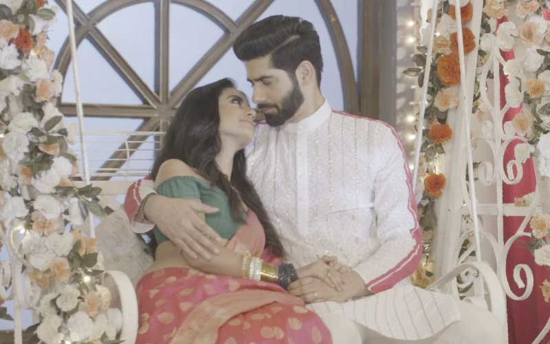 Ishq Mein Marjawaan 2: Riddhima And Vansh Get All Romanctic For Their First Karwa Chauth; Lovebirds Get Cosy