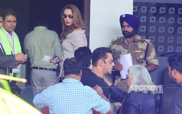 Salman Khan & Lady Love Iulia Vantur Take Off To Delhi