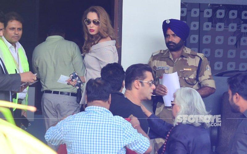 Salman Khan & Lady Love Iulia Vantur Take Off To Delhi