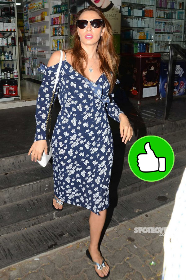 iulia vantur snapped at a pharmacy in bandra