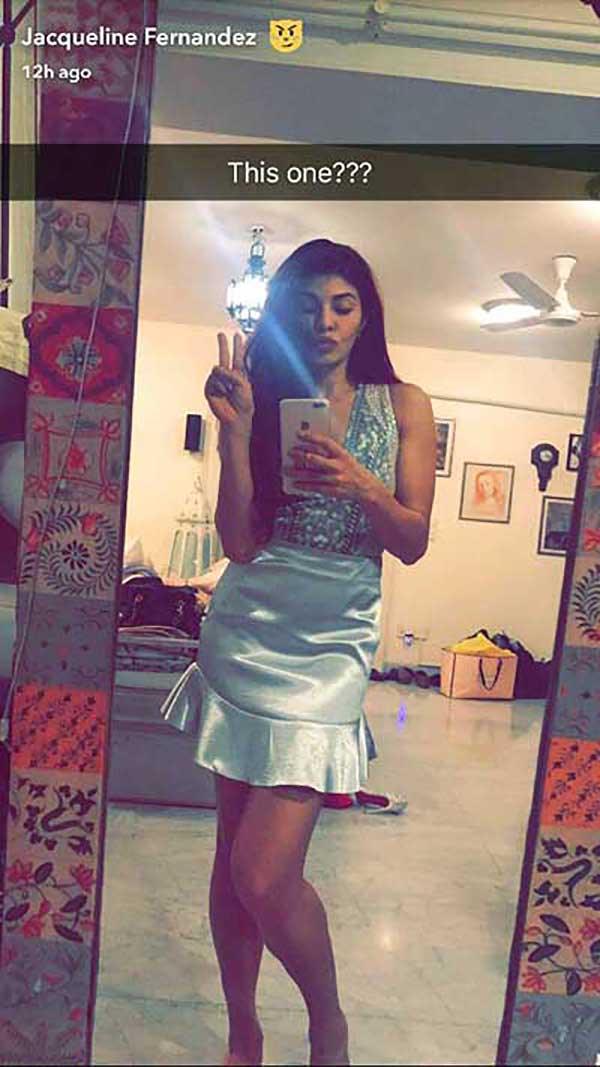 jacqueline fernandez confused whether to wear a blue dress for justin beiber purpose tour in india