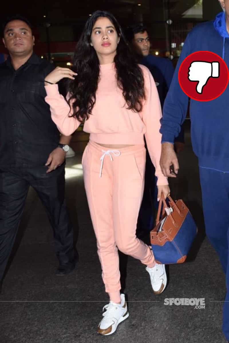 janhvi kapoor at the airport