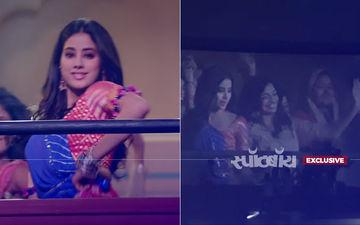वीडियो: जान्हवी और ईशान को देख क्रेजी हुए फैंस, थियेटर में ही करने लगे डांस