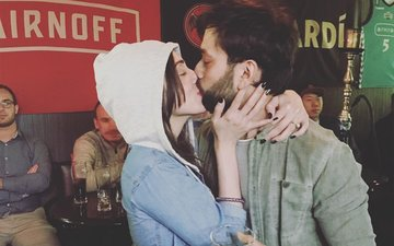 Nakuul Mehta Shares A Passionate Kiss With Jankee In Japan!