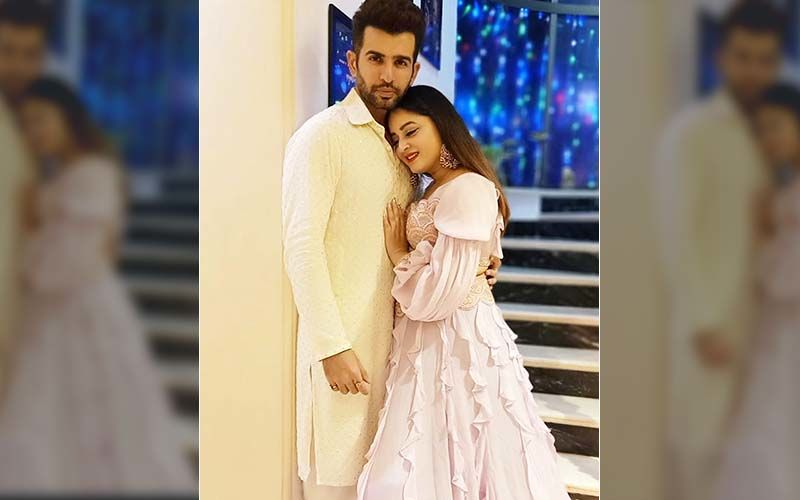 Valentine's Day 2020: Jay Bhanushali And Mahhi Vij Suffer An Epic Fail As They Try Their Hands On TikTok, Watch The Blooper