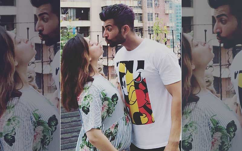 Mahhi Vij Looks Adorable Flaunting Her Baby Bump, Poses With Dad-To-Be Jai Bhanushali