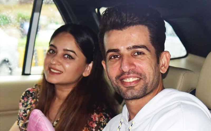 Jay Bhanushali And Mahhi Vij Look Excited As They Bring Their Newborn Baby Girl Home
