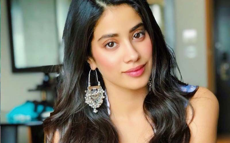 How To Use Janhvi Kapoor's Go-To DIY Ingredient, Amla, In Your Skin And Hair Recipes
