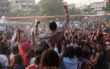 फिल्म झुंड में फुटबॉल कोच की भूमिका में दिखेंगे सदी के महानायक अमिताभ बच्चन, इस दिन होगी रिलीज़