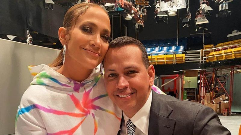 Jennifer Lopez Still Hasn't Deleted Her Engagement Pictures With Alex Rodrigues Amid Break Up And Moving On With Ben Affleck