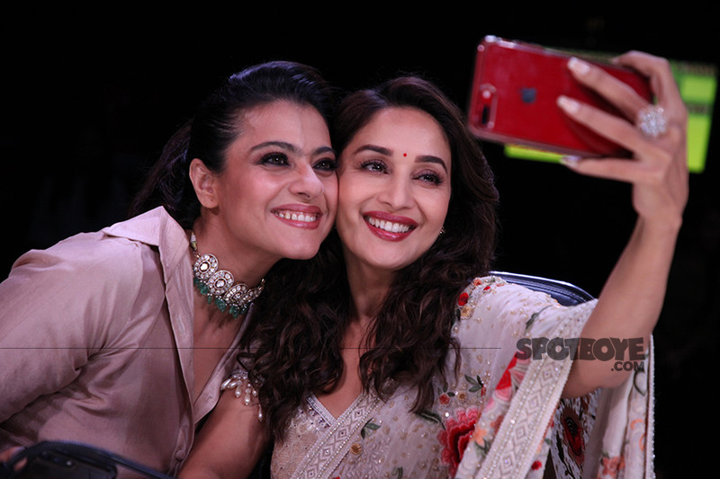 kajol and madhuri dixit pose for a selfie