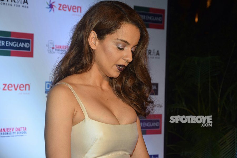 kangana ranaut extremely tight dress