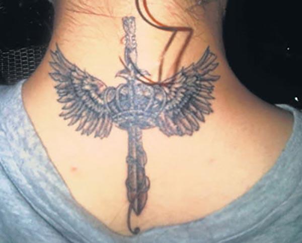 kangana ranaut sword with wings tattoo on the neck