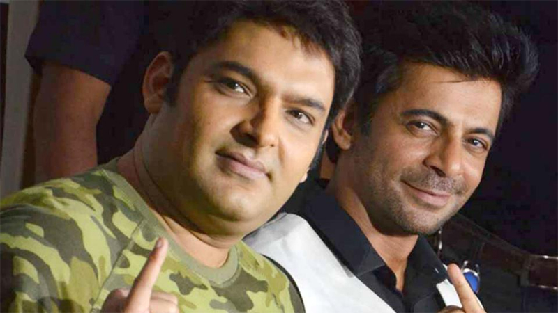 kapil sharma is out sunil grover is back and he is laughing