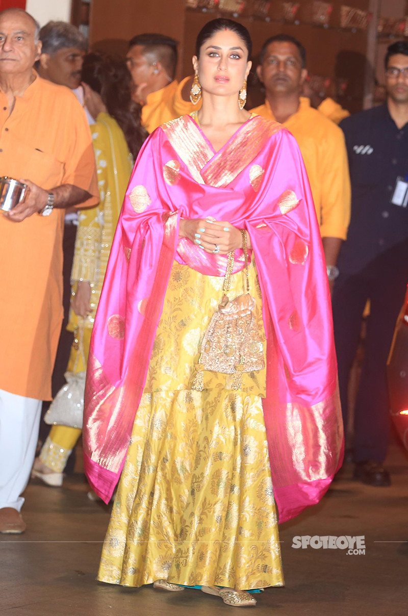 kareena kapoor snapped at ambani ganesh celebrations