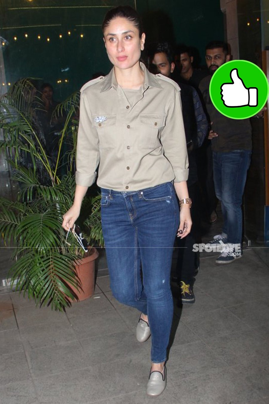 kareena kapoor snapped post party