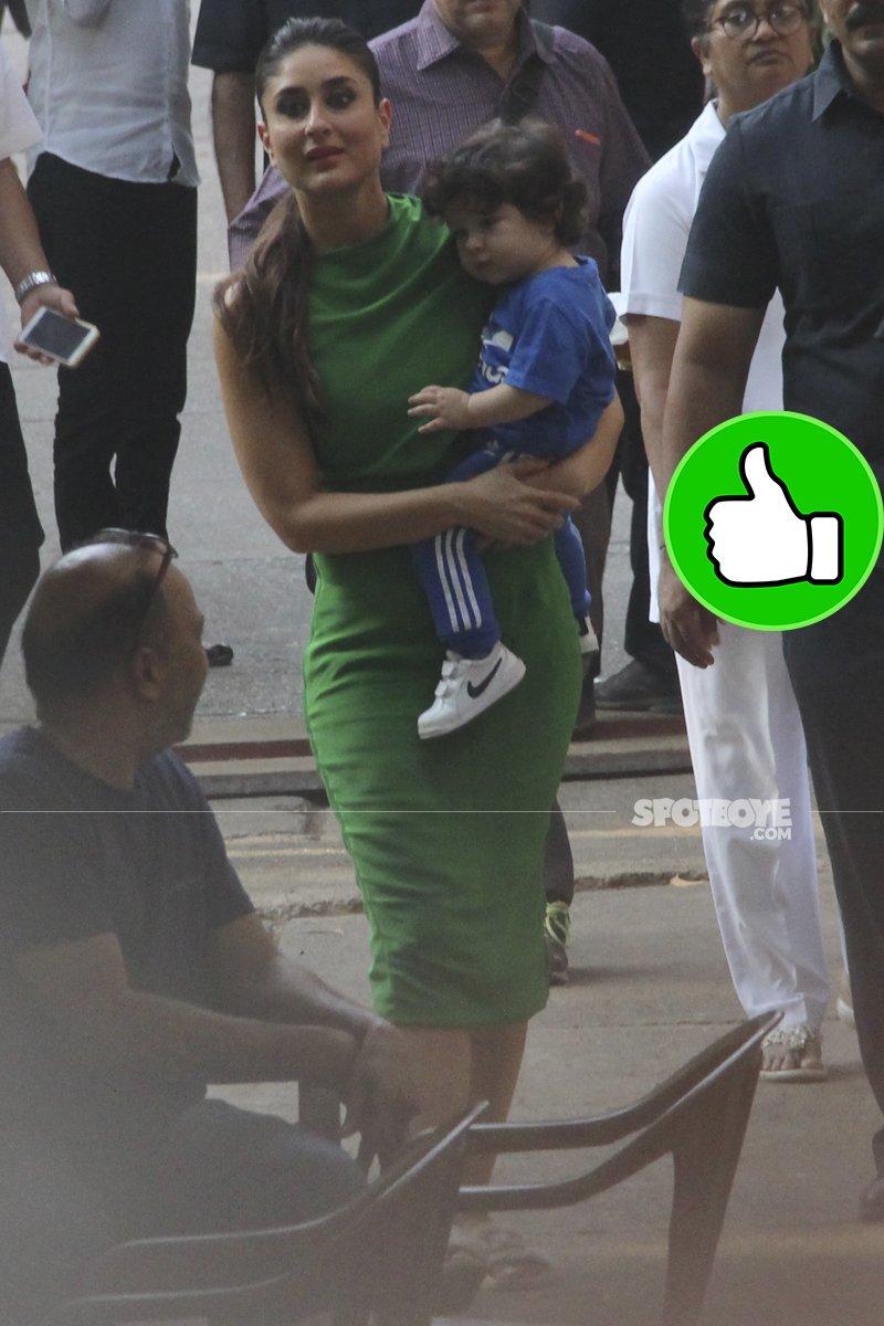 kareena kapoor snapped with baby taimur