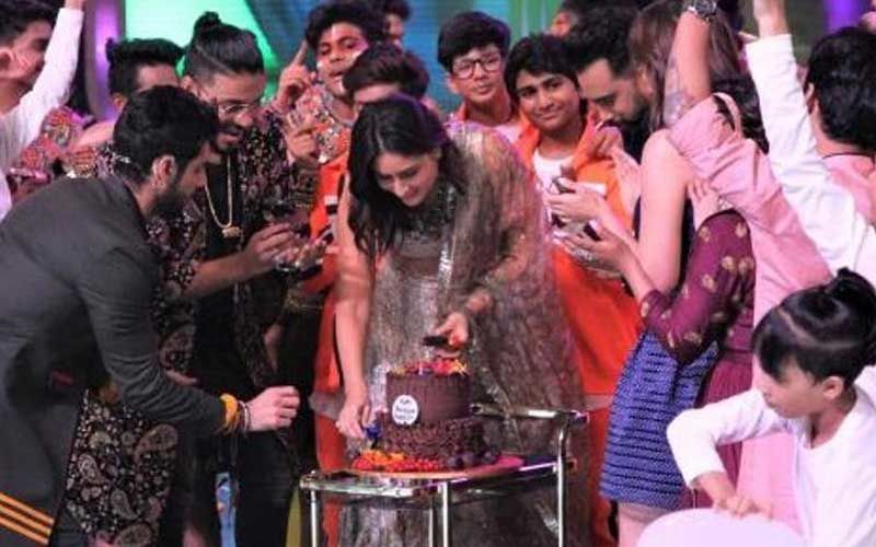 Kareena Kapoor Khan Birthday: Actress' DID Fam Celebrates Her Big Day With Cake And Cheer