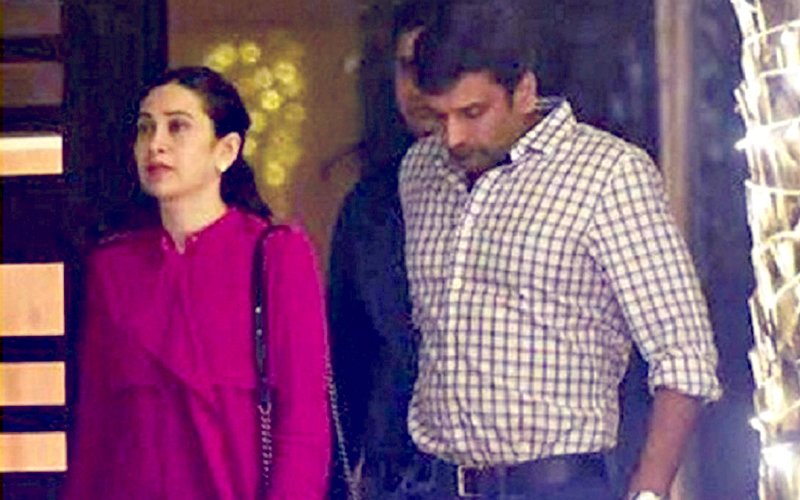 Karisma Kapoor's LOVER Sandeep Toshniwal FINALLY Gets Divorced From Wife