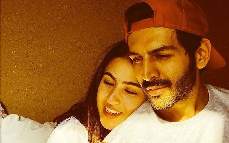 Kartik Aryan And Sara Ali Khan's Cozy Picture From Imtiaz Ali's AajKal Is Us Waiting For The Weekend