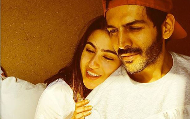 Kartik Aaryan Embraces Sara Ali Khan In A Never-Ending Hug As He Sees Her Off At The Lucknow Airport - VIDEO