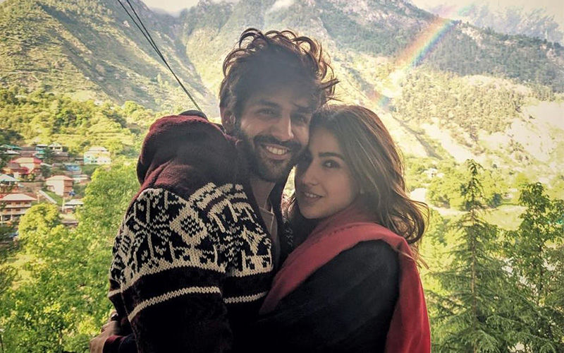 Kartik Aaryan Has A 'Special' Visitor On The Sets Of Pati Patni Aur Woh; Fans Wonder If It Was His Ladylove Sara Ali Khan