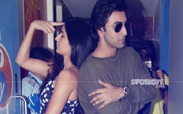 Ouch! Ranbir Kapoor Blows A Kiss, Katrina Kaif Hits Him