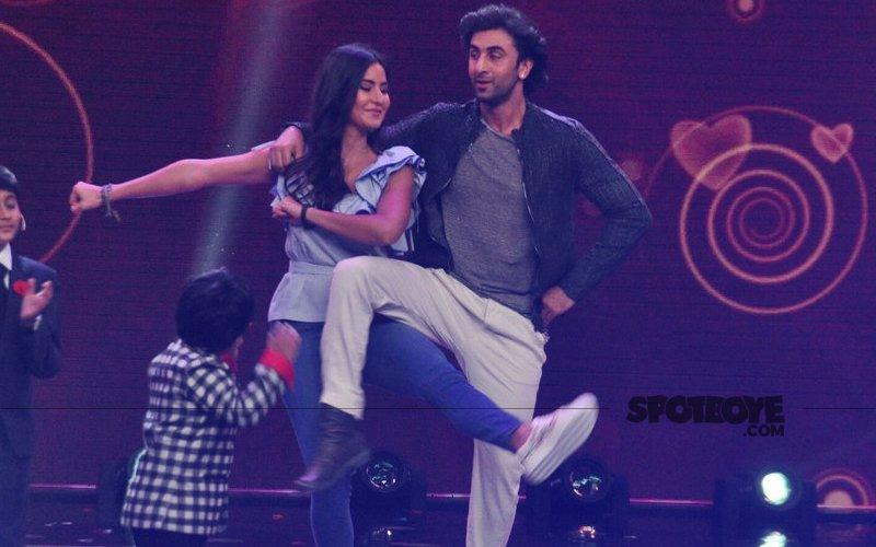 Ranbir Kapoor & Katrina Kaif On-The-Sets Of A Singing Reality Show