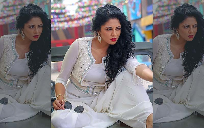Kavita Kaushik Slams Motorists To Let Ambulance Pass, Gets Scolded By Hubby For Being A 'Wannabe Cinematographer'